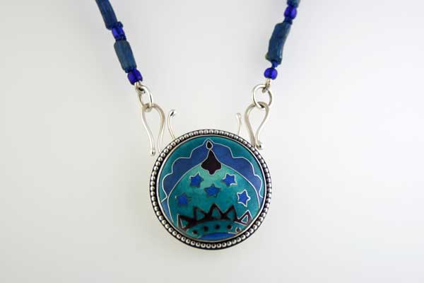 Domes-necklace-with-Roman-Glass-beads
